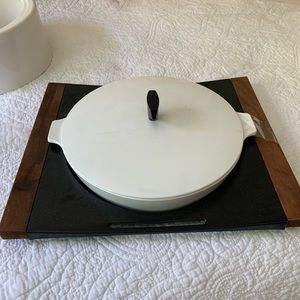 Perfect condition VINTAGE Mid Century baker server